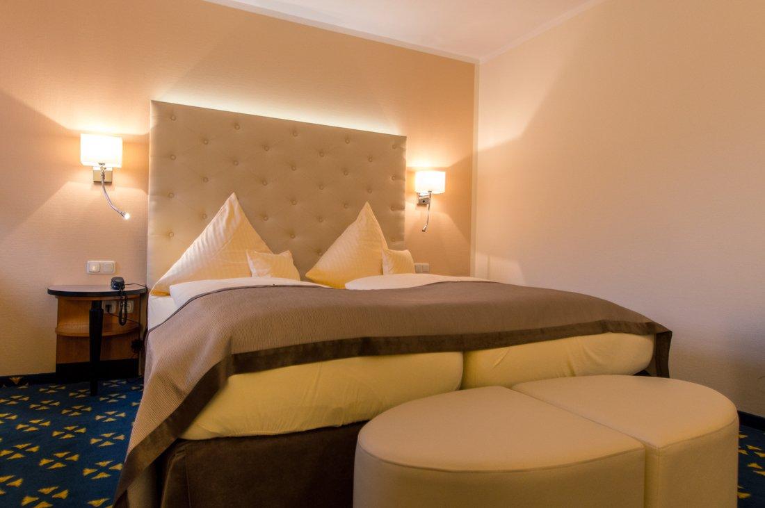 Detailaufnahme des Schlafzimmer im Wasserschlosshotel Klaffenbach.