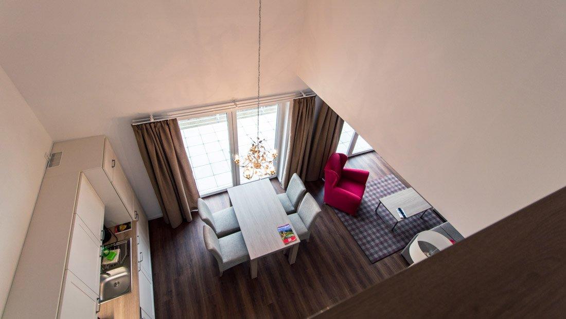 Blick aus der 1. Etage in den Wohnbereich elbresort Rathen