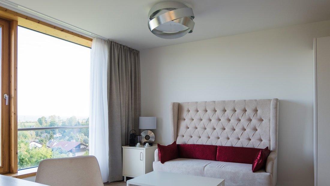BestWestern-Lichtenwalde-Hochzeitzimmer-Couch